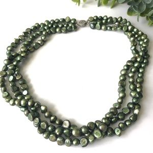 Vintage Green Iridescent Pearl Necklace